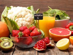 alimenti ricchi di antiossidanti come la vitamina C