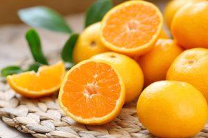 vitamina C stimola la produzione di colagene