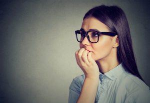 donna con ansia cronica
