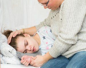 bambina con convulsioni