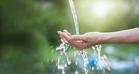 acqua arricchita di idrogeno in natura
