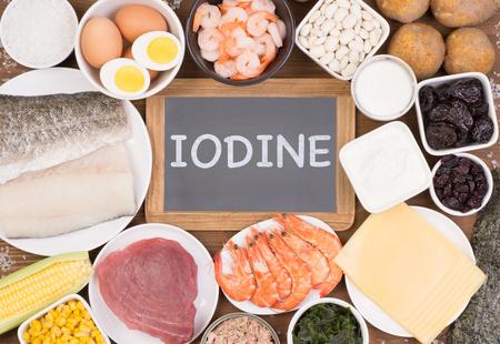 vari alimenti ricchi di iodio